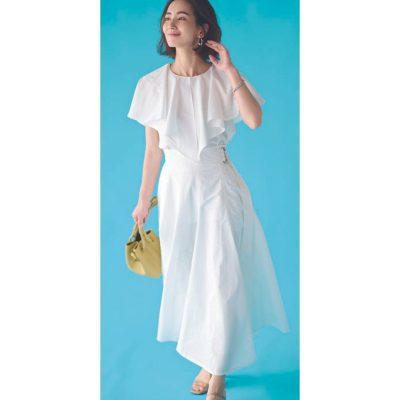 「着痩せトップス」で夏の全身白コーデも膨張知らず