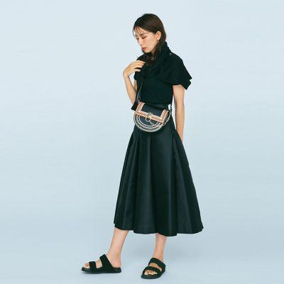 「黒コーデ」でTシャツを格上げ!きれいめコンサバスタイル