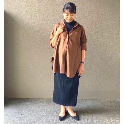 【臨月】のAラインじゃないおしゃれは「ビッグシャツ×タイトスカート」!